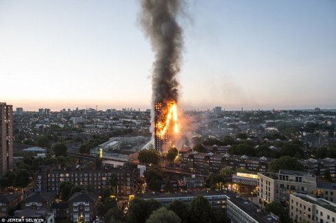 416922A600000578-4601902-12_people_are_known_to_have_died_after_fire_engulfed_Grenfell_To-a-45_1497476401527.jpg